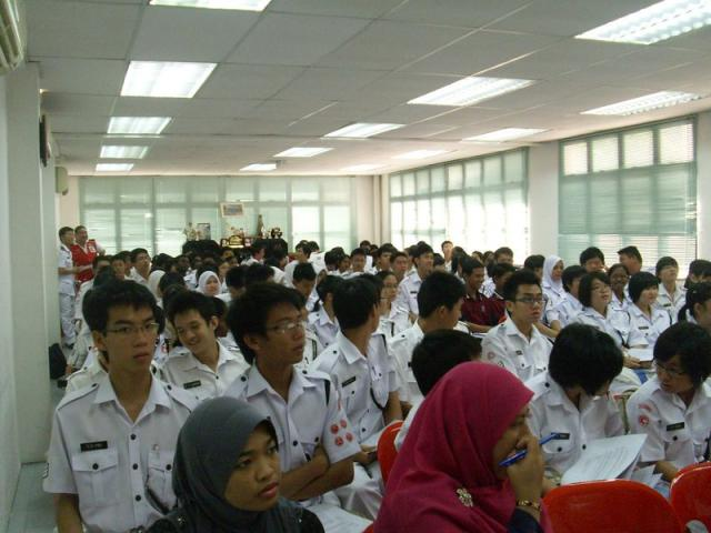 youth-forum-2010 011b